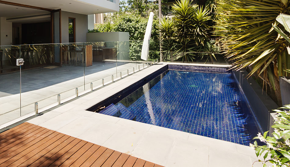 Swimming pool builder north shore